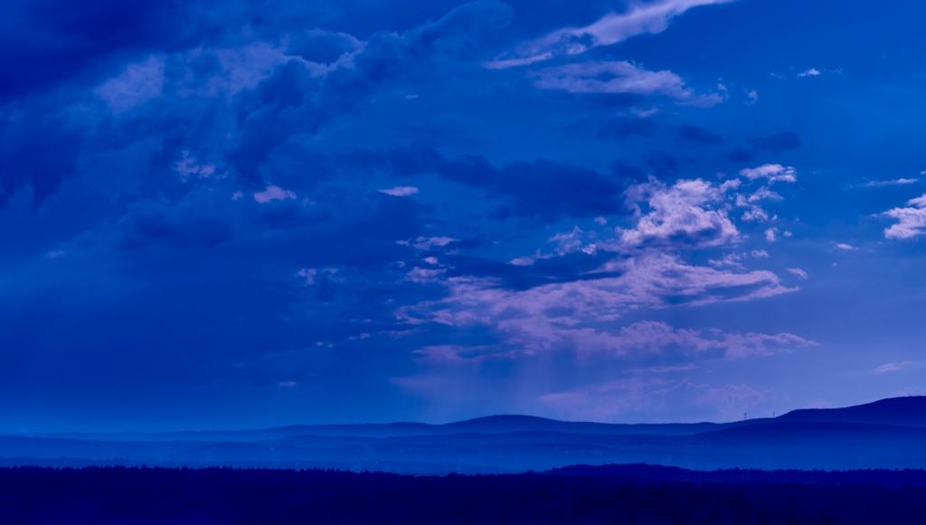 Small landscape Harvard Blue