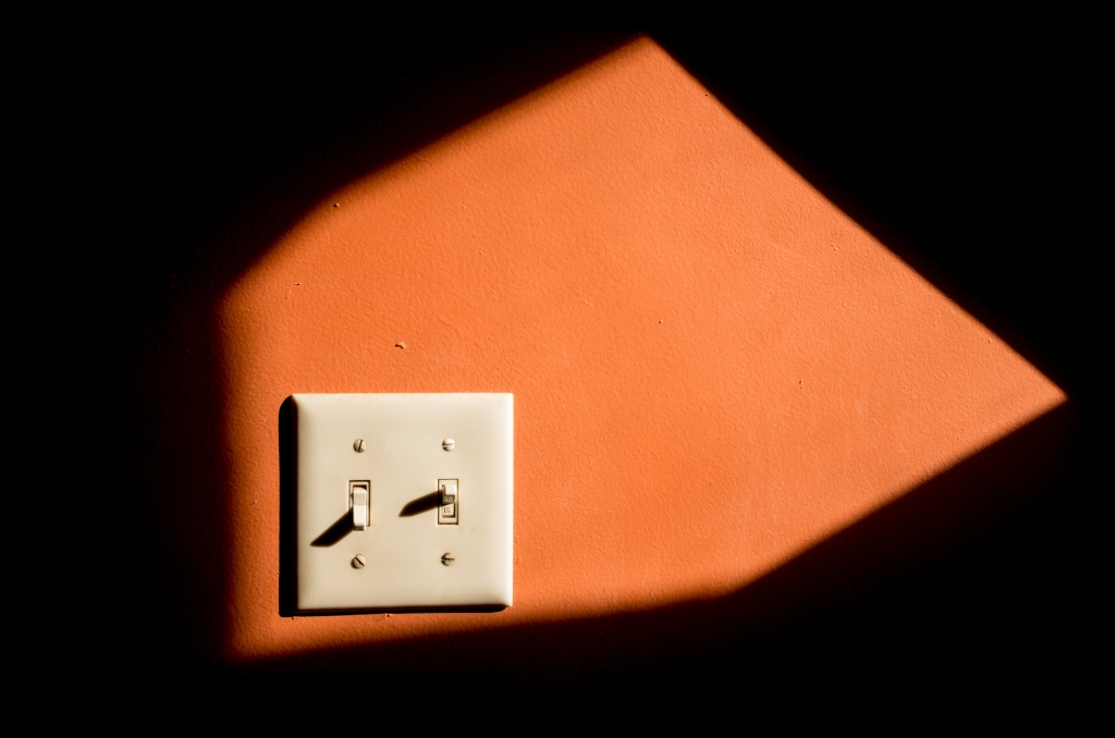 light-switch-l1003453-1